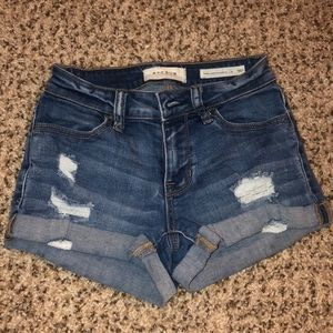 Cute jean shorts from Pacsun!